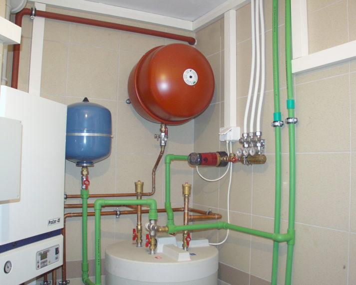 Cyrklulacja ciepłej wody z 3 punktów poboru